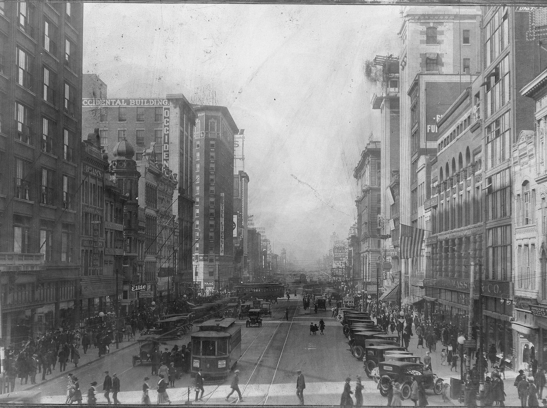 West Washington Street on Nov 7, 1922