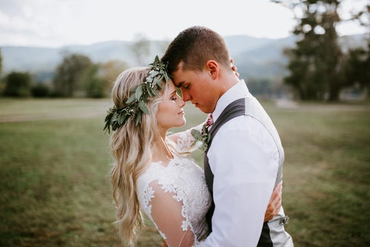 """Bringing Up Bates"" stars Josie Bates and Kelton Balka got married Oct. 5 at Cove Lake State Park."