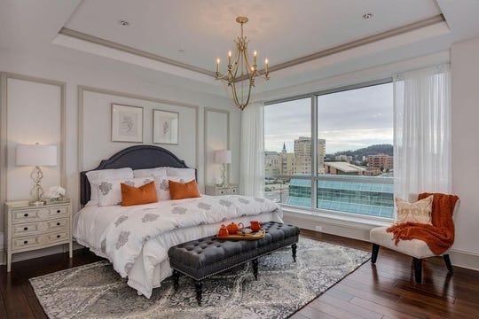 531 Henley St., Suite 600