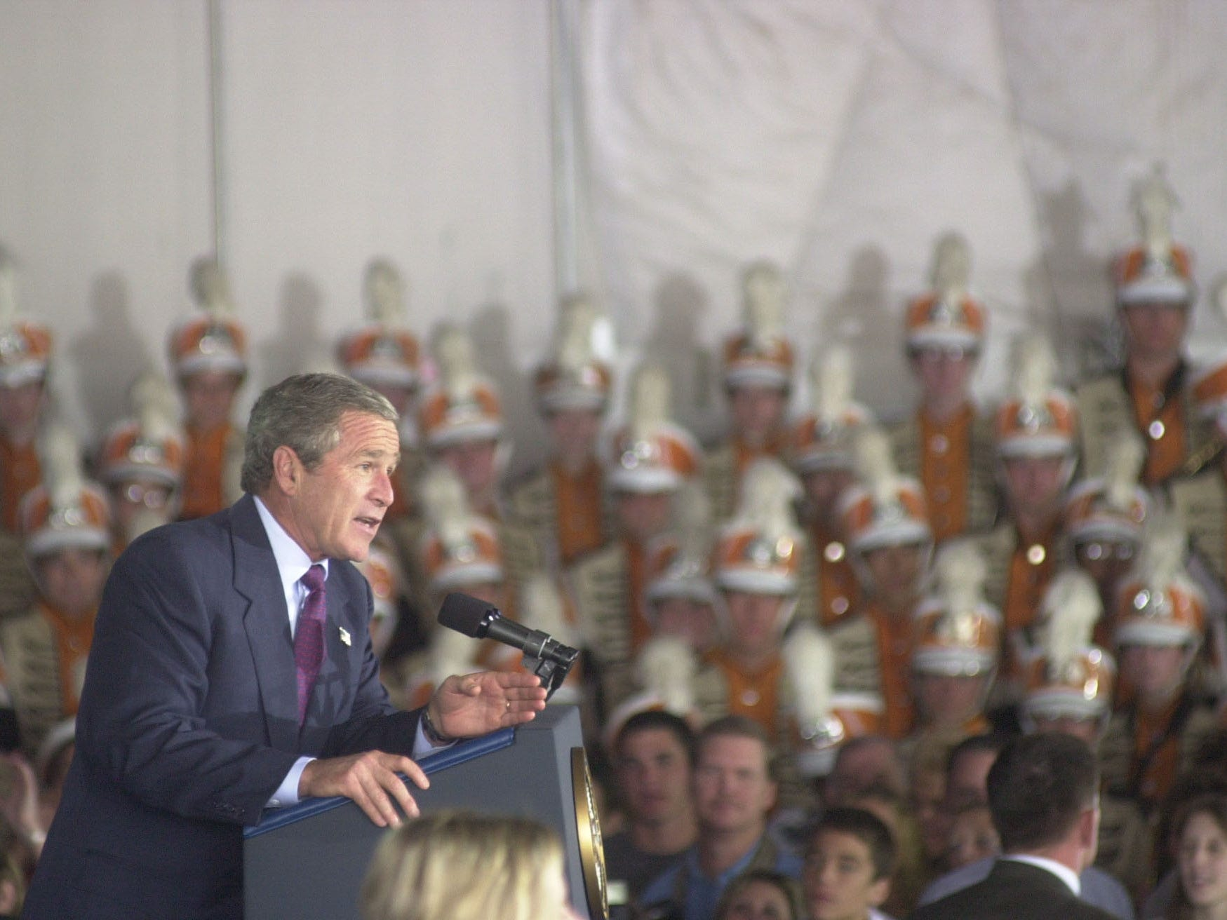 President George W. Bush addresses the crowd Tuesday, Oct., 8, 2002, at Cherokee Aviation. Bush was visiting to attend a Van Hilleary for governor luncheon at the Convention Center.