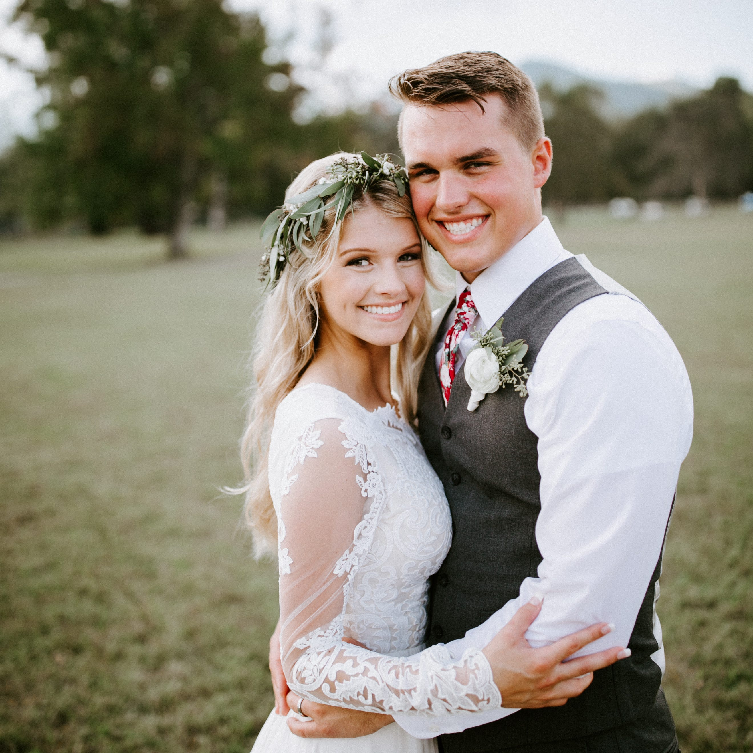 'Bringing Up Bates' stars Josie Bates, Kelton Balka marry in East Tennessee state park
