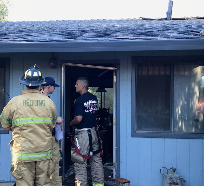 Redding firefighters quickly put out Sunday a fire that broke out inside a Summerfield Court home.