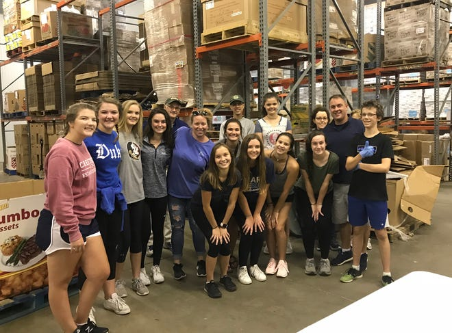 Maclay students volunteer at Second Harvest of the Big Bend.
