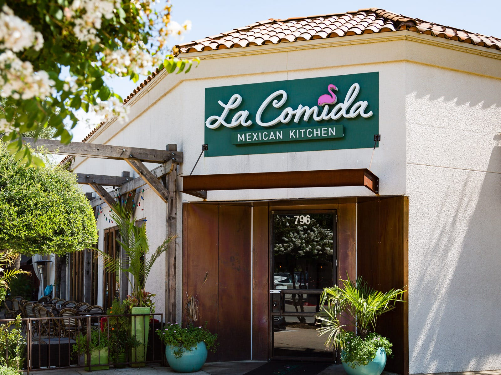 La Comida specializes in equal parts Tex-Mex and Yucatan cuisine, and the menu hasn't veered off-course since brothers Mario and Ivan Urtecho opened the restaurant in the North Dallas suburb of Addison four years ago.