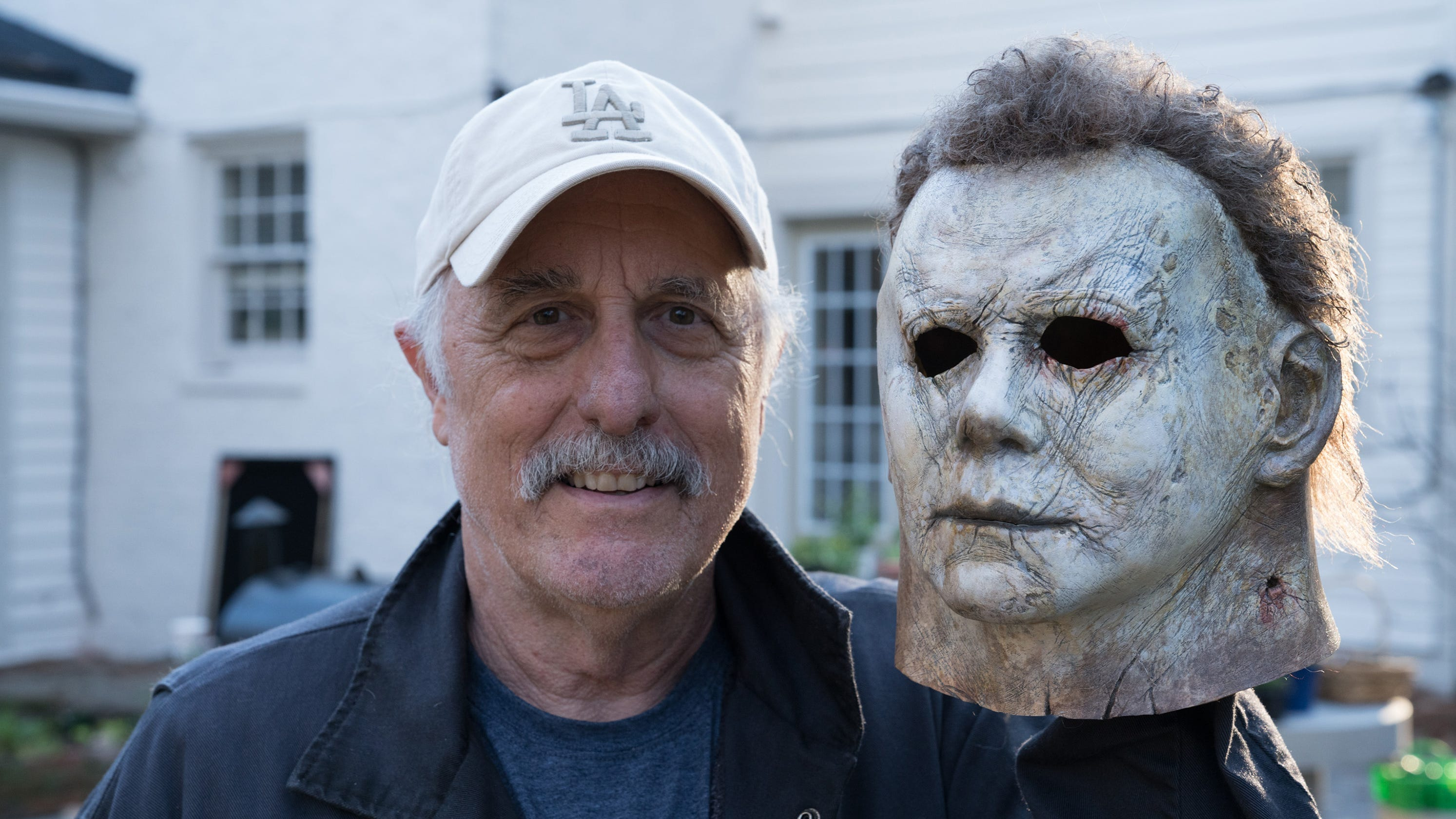 Halloween 2018 Michael Myers Mask.Halloween Nick Castle Puts On The Mask Once More As Michael Myers