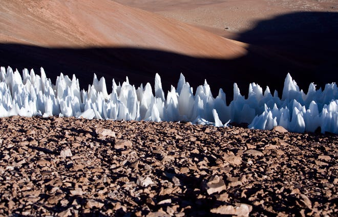 Penitentes ice formations at the southern end of the Chajnantor plain in Chile in 2005. Similar formations likely are found on the surface of Europa, a new study suggests.