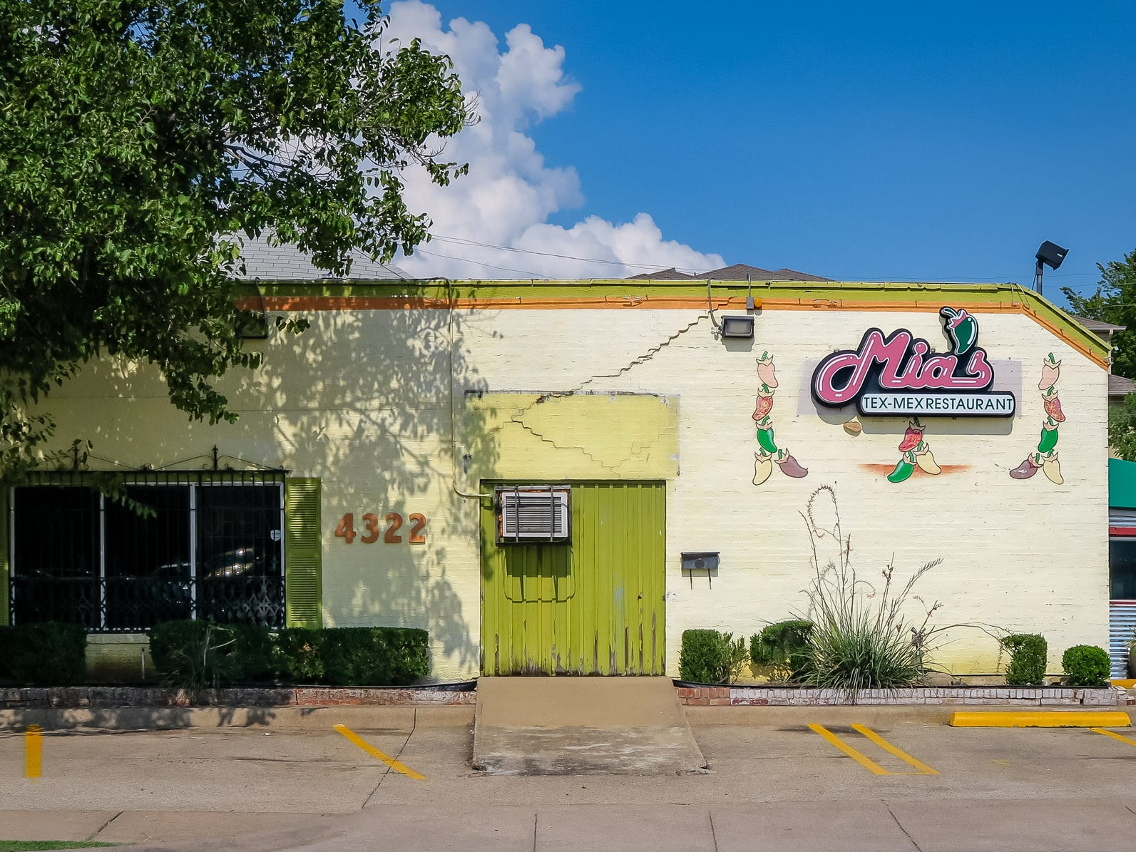 "Mia's is often regarded as the epicenter of Tex-Mex in the city. It was among the first to locate near a tony neighborhood with few immigrants but serve humble food like stuffed poblano pepper ""chile rellenos,"" brisket tacos and quesadillas to Dallas Cowboys players, movie stars and local celebrities. Former Mia's employees have gone on to open popular Tex-Mex restaurants of their own, including Mesero, Mi Cocina and Avila's."