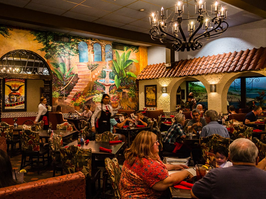 Now 100 years old, El Fenix draws big crowds for its reasonably priced Tex-Mex menu. The kitchen turns out excellent versions of all the classic Tex-Mex dishes, including fajitas, nachos, combination enchilada plates, chimichangas and crispy tacos filled with seasoned ground beef, shredded iceberg lettuce and cheese.