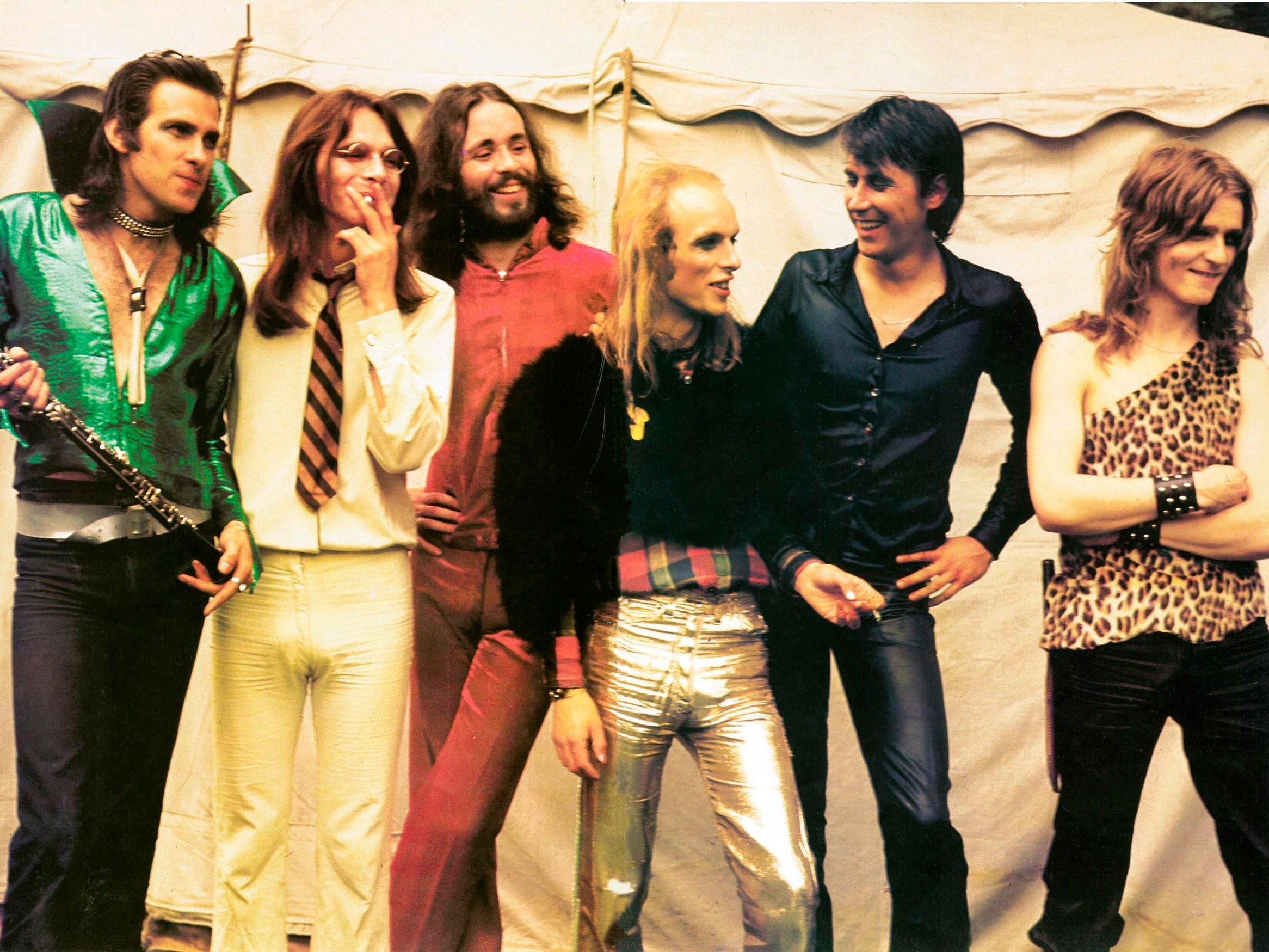 Roxy Music. Members of the musical group shown here are Andrew Mackay, Graham Simpson, Phil Manzanera, Eno, Bryan Ferry and Paul Thompson.