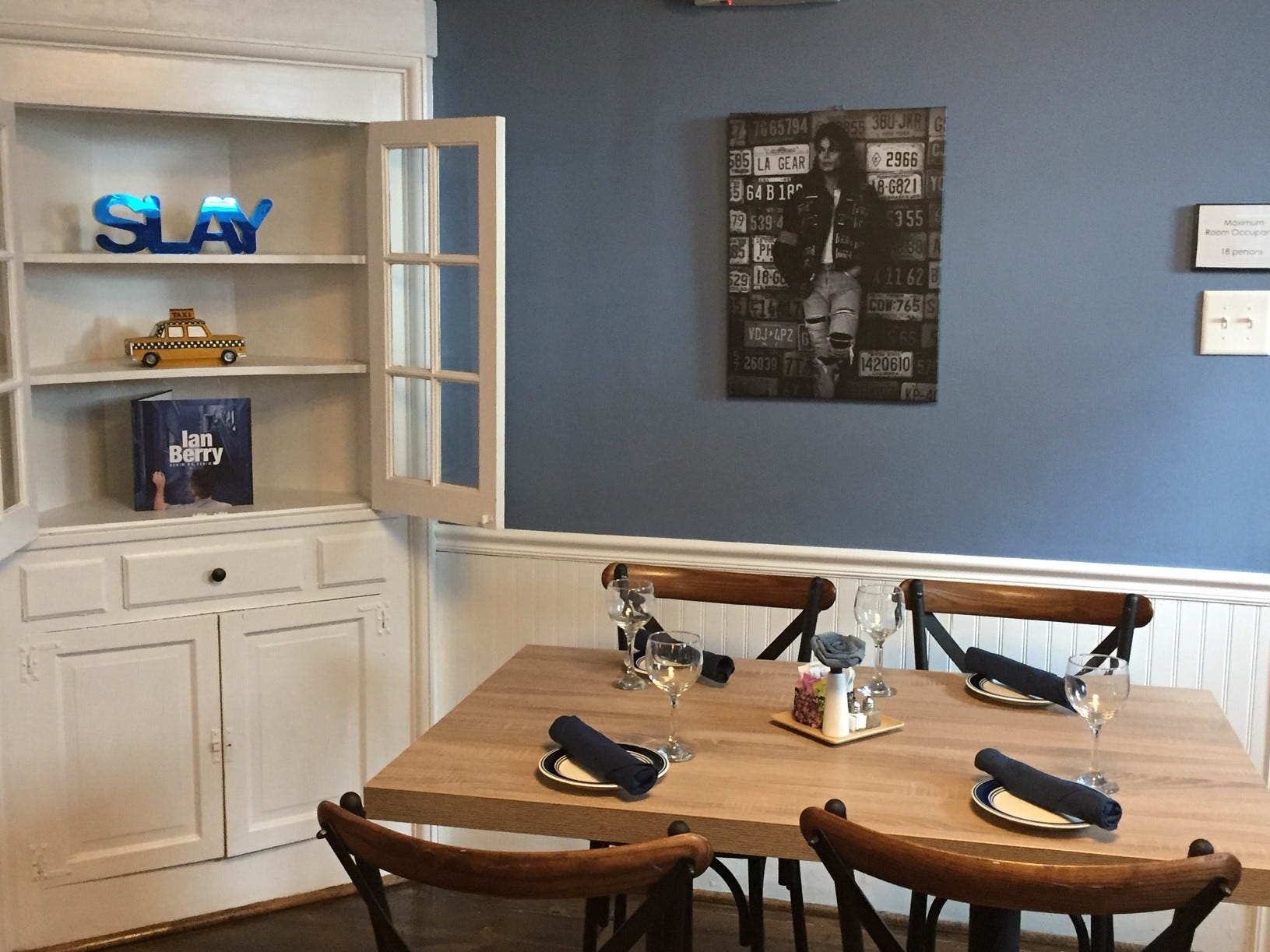 Denim American Bistro is going for a casual vibe that will feel comfortable to Gen-X and Gen Y guests, as well as families. The restaurant has a lot of fun evoking pop culture from Michael Jackson to Marilyn Monroe.