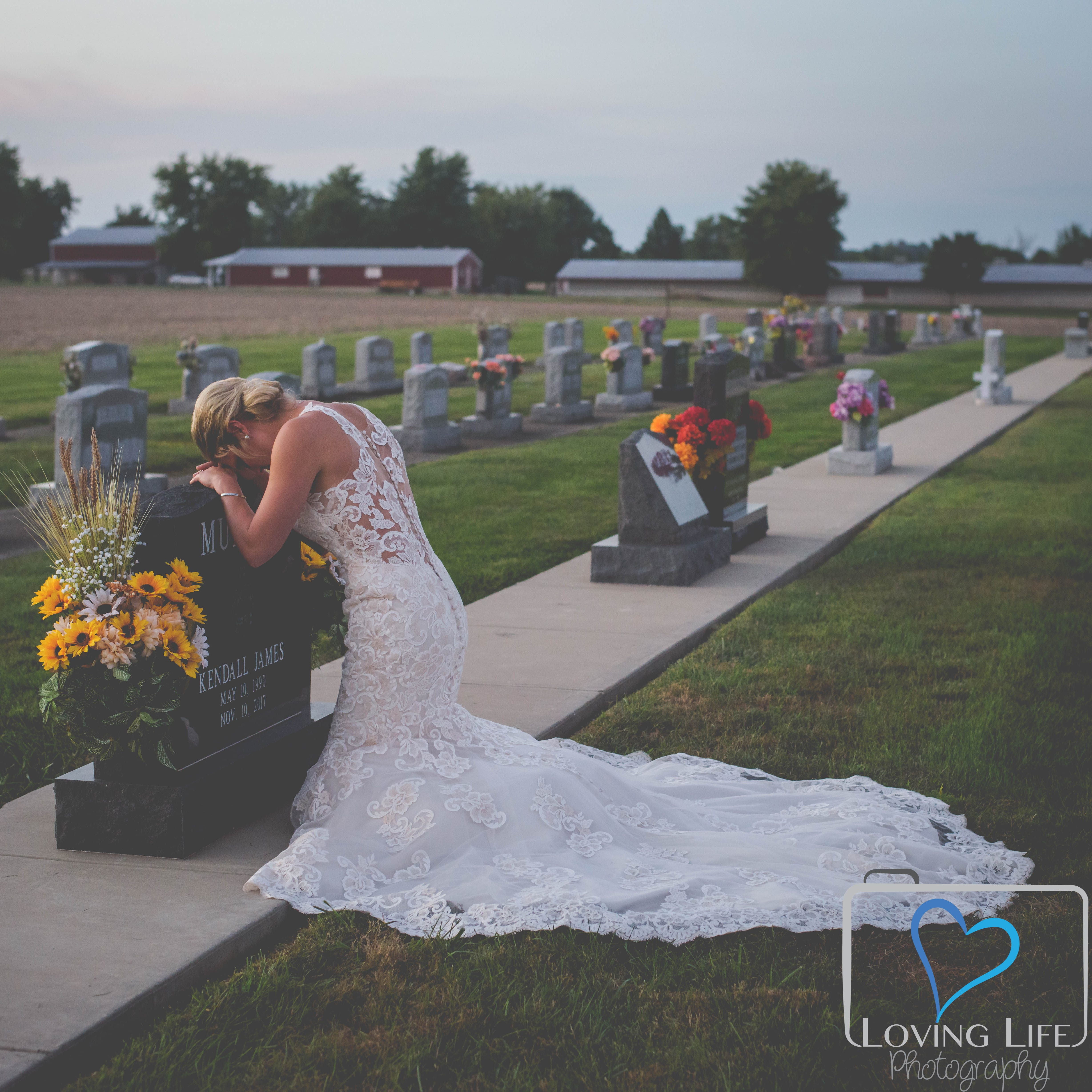Her fiancé died during their engagement. A wedding day photoshoot brought 'closure.'