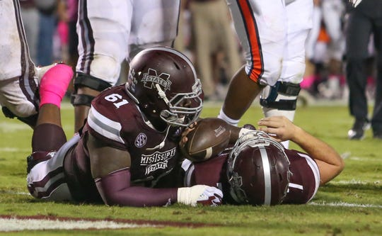 Mississippi State offensive lineman Deion Calhoun helped quarterback Nick Fitzgerald run for 1,018 yards and 12 touchdowns in the 2018 regular season.