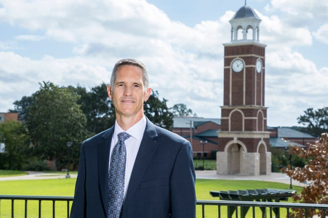 Retired police Capt. Stewart S. Brackin has been named director of the Office of Safety and Security at Freed-Hardeman University.