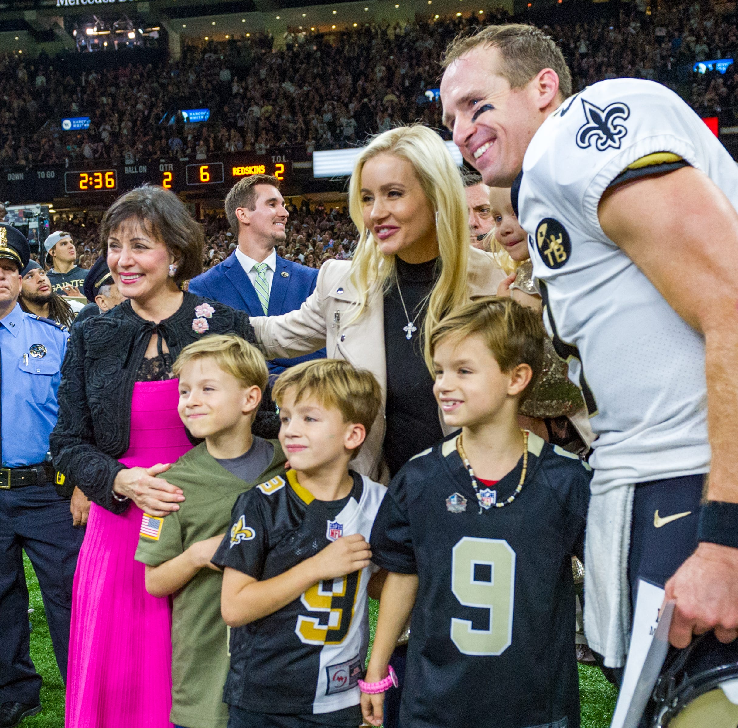 The Big Breezy: Drew Brees becomes NFL No. 1 passer, takes Saints to easy win over 'Skins