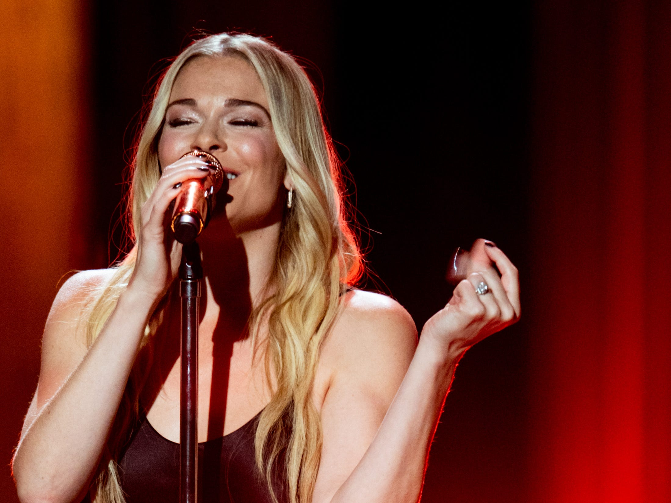 """LeAnn Rimes performs during """"An Opry Salute to Ray Charles"""" at the Grand Ole Opry in Nashville on Oct. 8, 2018."""