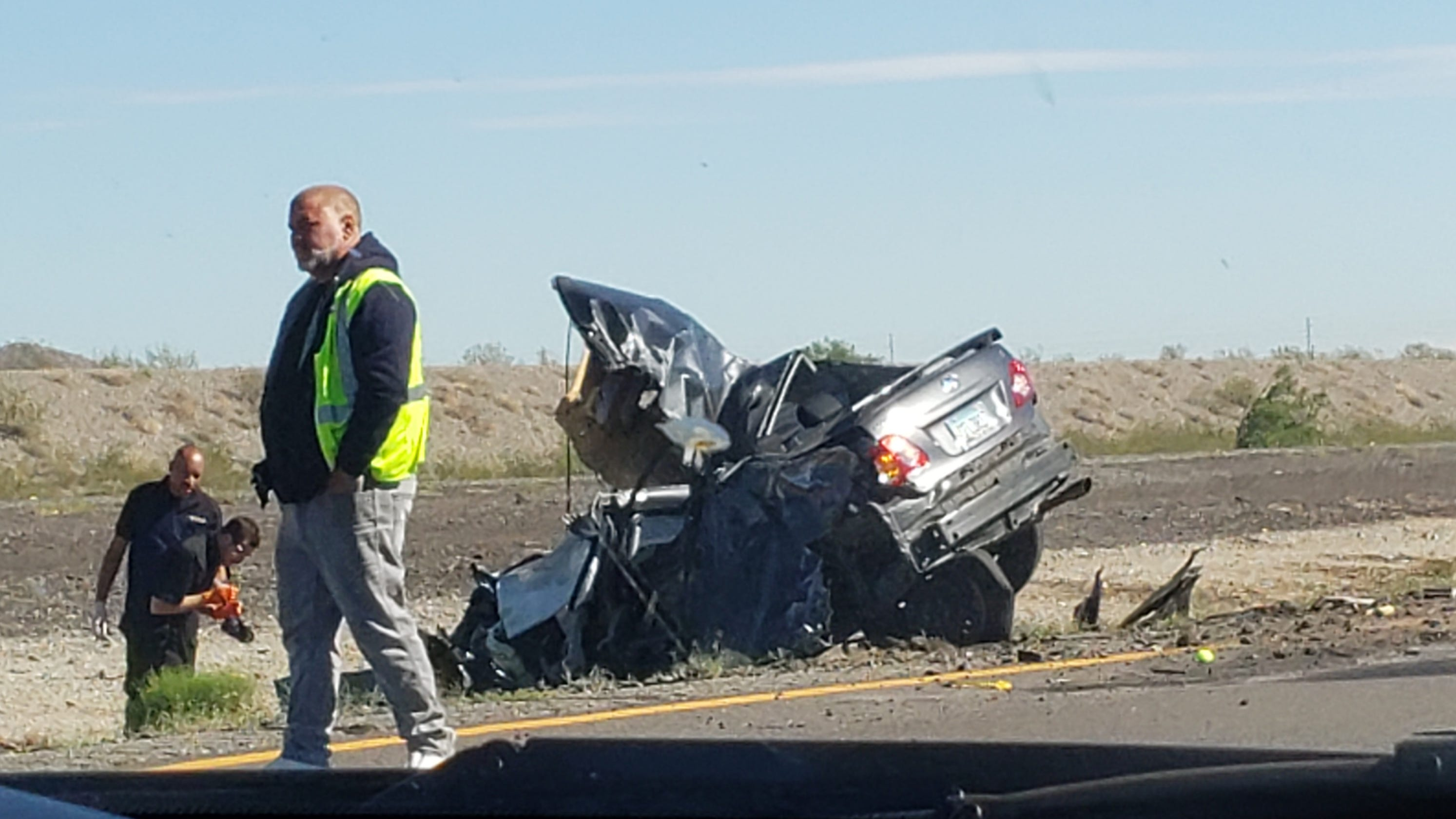 1 dead in 3-vehicle collision on Interstate 10 in Buckeye