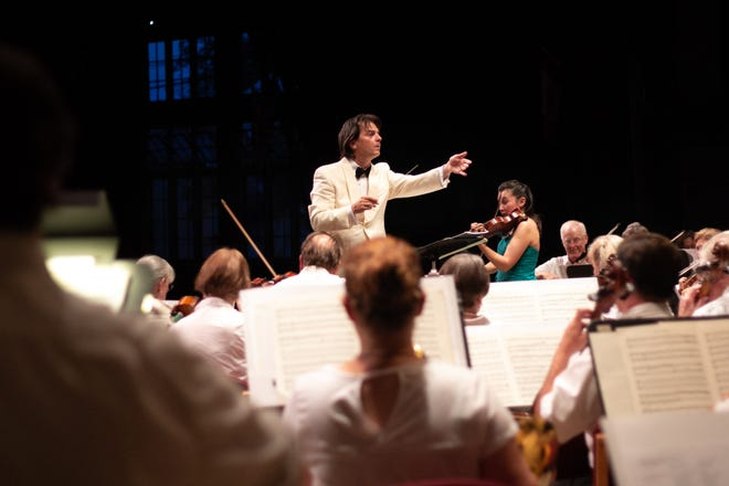 Daniel Meyer has been named new director and conductor of the Lakeside Symphony Orchestra.
