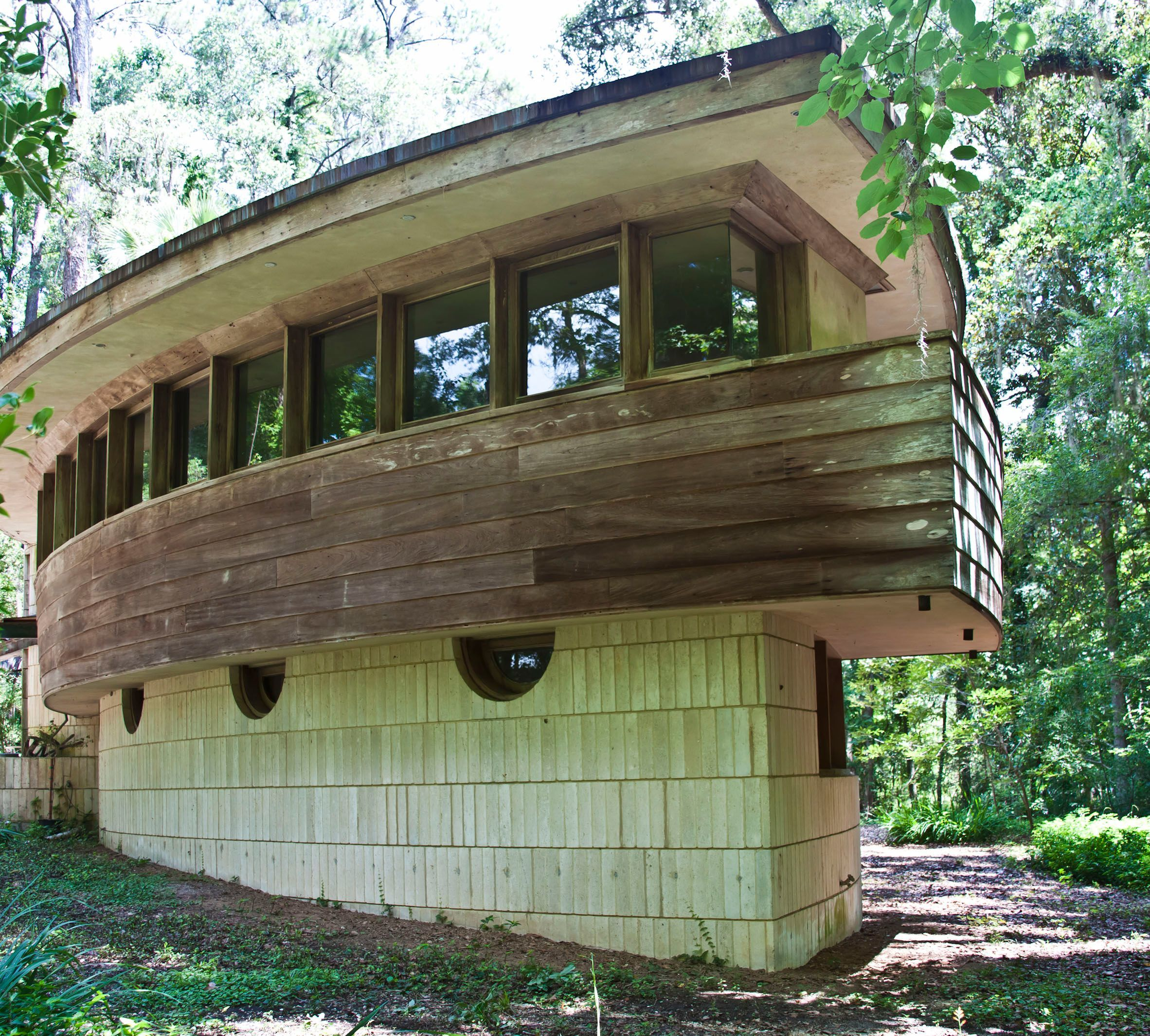 Meet architect Frank Lloyd Wright on Sunday at Spring House.