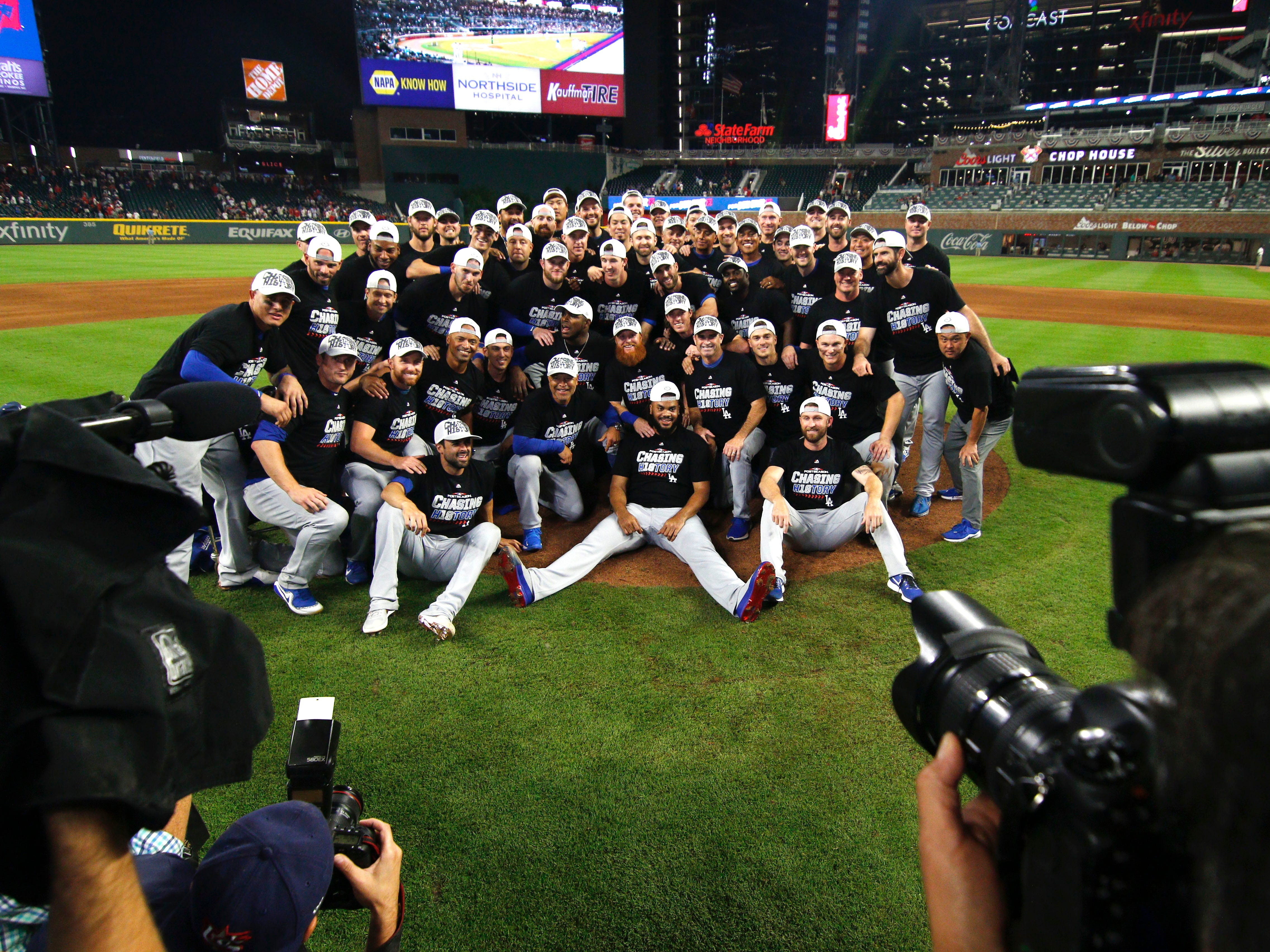 NLDS Game 4: A team photo of the Dodgers after knocking off the Braves.