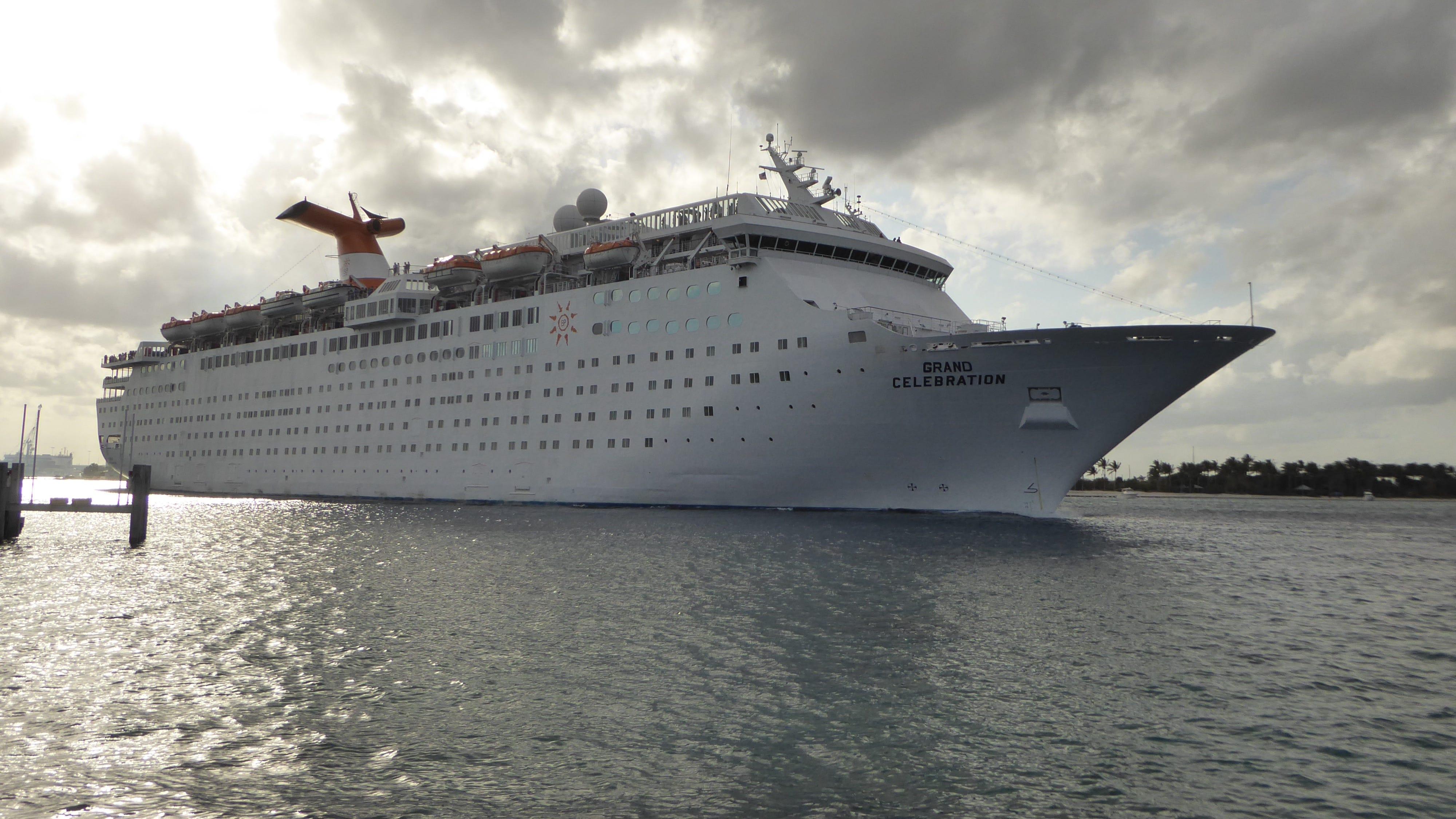 Cruise Ship Tours Bahamas Paradise Cruise Line S Grand Celebration