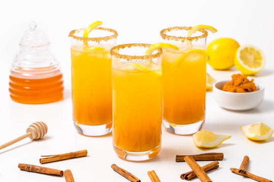 Halloween pumpkin fizz cocktail