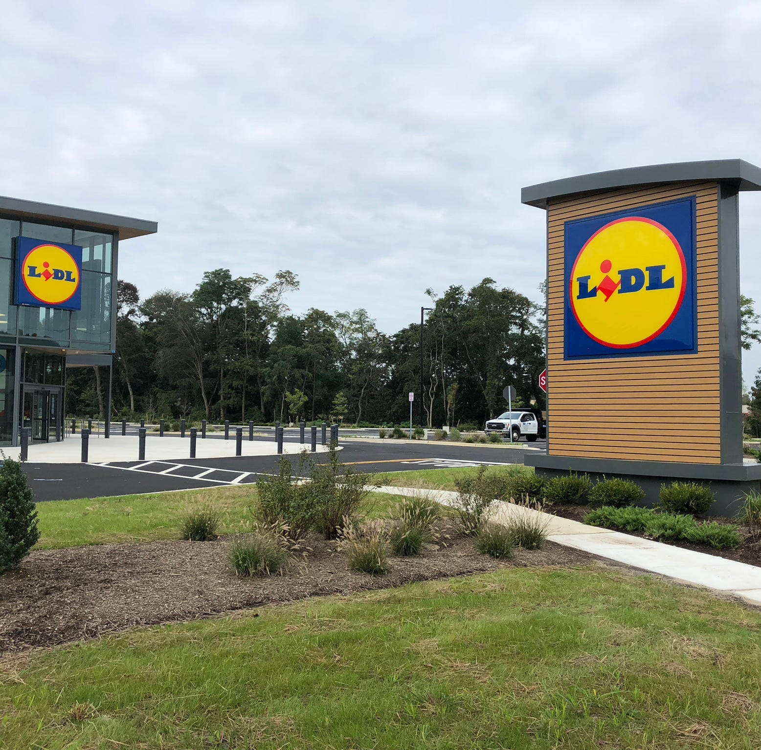 Get ready, Lidl stores to open in Hazlet, Eatontown