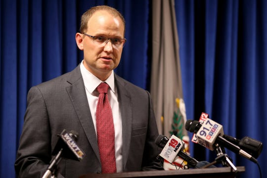 Herb Stapleton, Assistant Special Agent in Charge of the Cincinnati FBI office, delivers remarks after the announcement of the arrest of Chinese intelligence officer Yanjun Xu, in connection with conspiring and attempting to commit economic espionage and steal trade secrets from several U.S. aviation and aerospace companies, Wednesday, Oct. 10, 2018, at the offices of the U.S. Attorney for the Southern District of Ohio in Cincinnati.