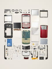 Todd McLellan: Smartphone made by BlackBerry in 2007. Component Count:  120