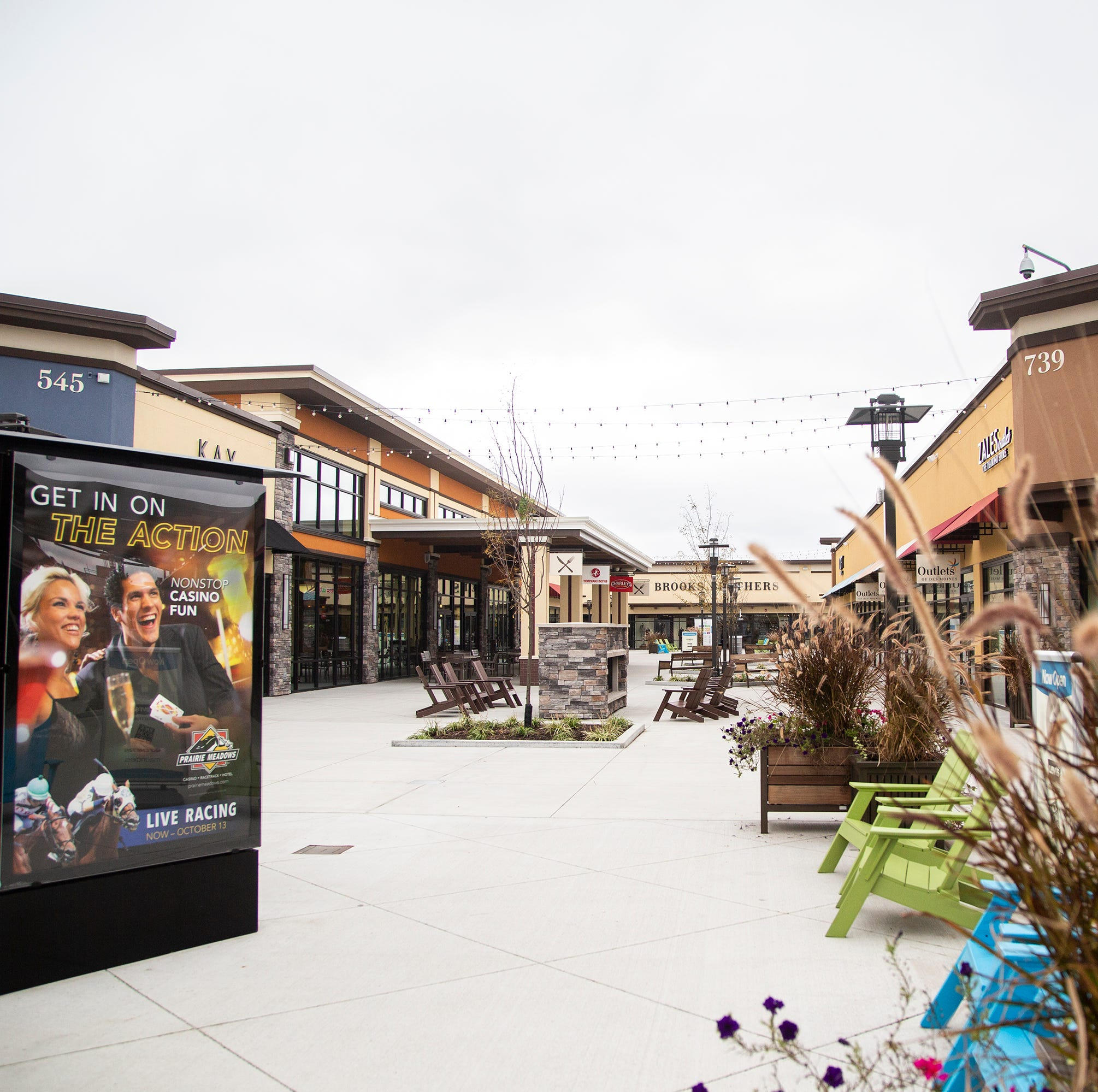 Outlets of Des Moines stores report better-than-predicted sales in first year