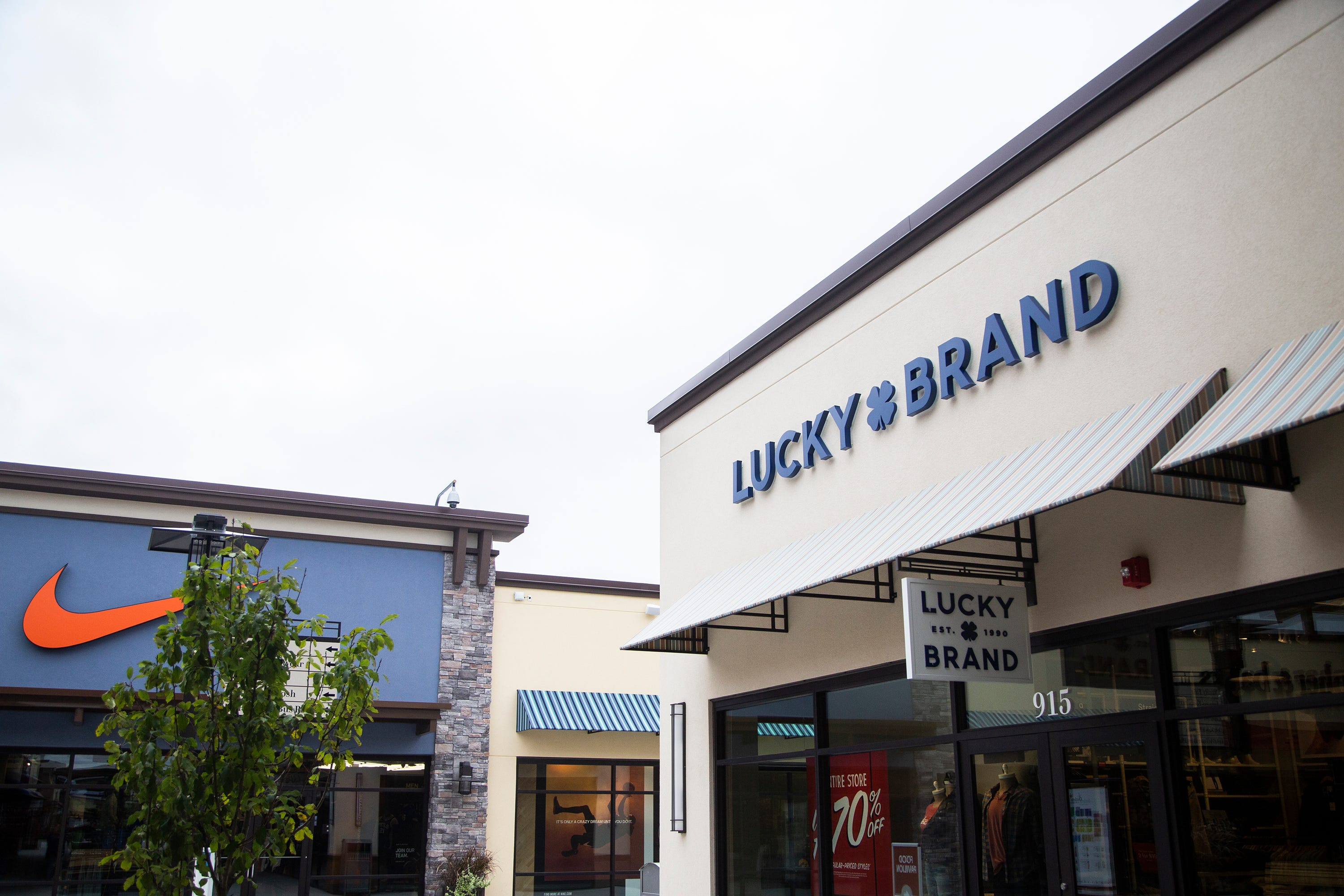 Lucky Brand files for bankruptcy citing COVID-19, looks to sell company to Aéropostale owner. Is your store closing?
