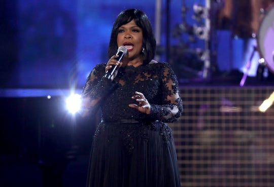 "CeCe Winans performs ""Mary Don't You Weep"" during a tribute to the late singer Aretha Franklin at the American Music Awards."