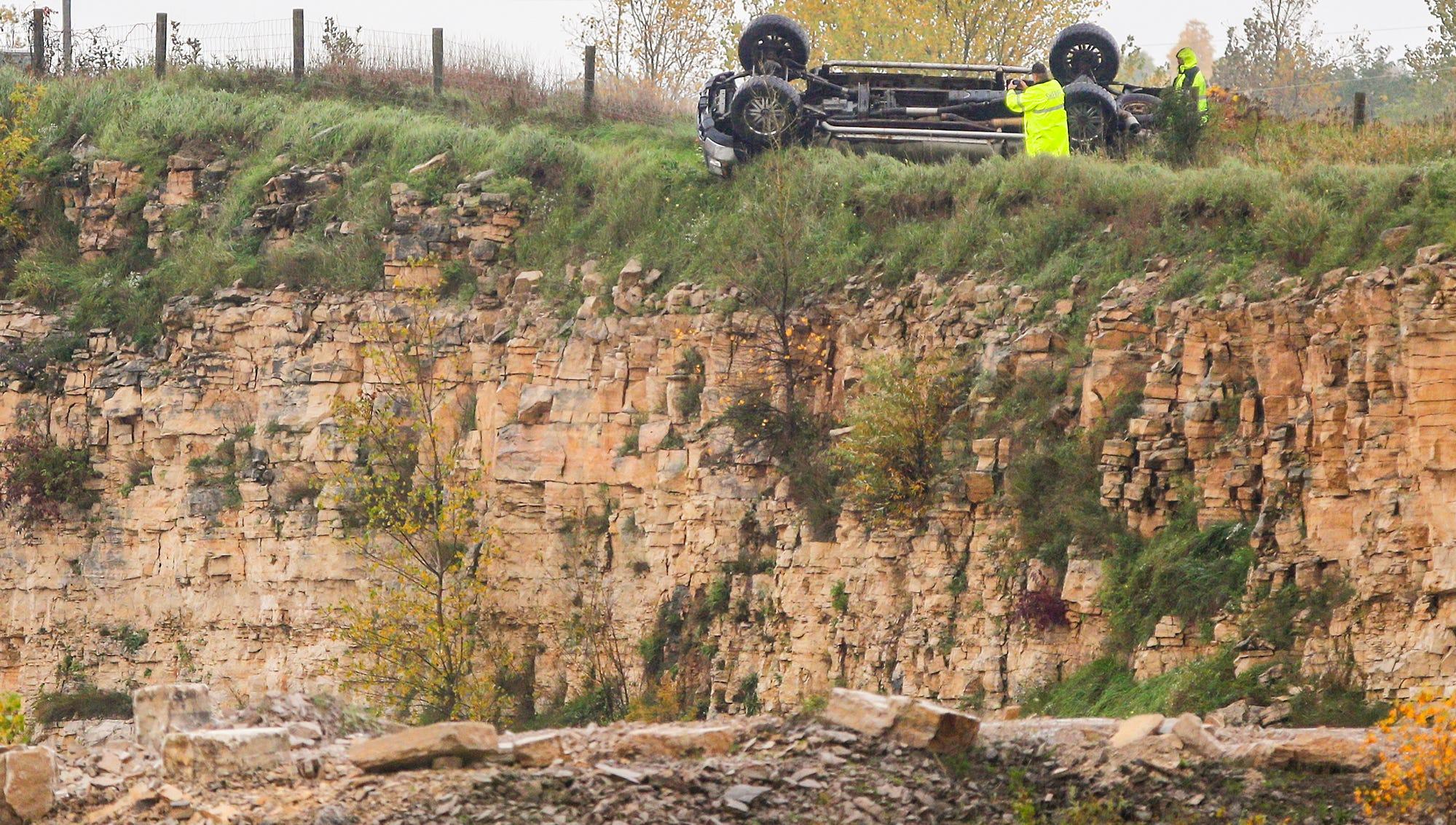 Neosho man dies in rollover which sent him plummeting into quarry below Interstate 41