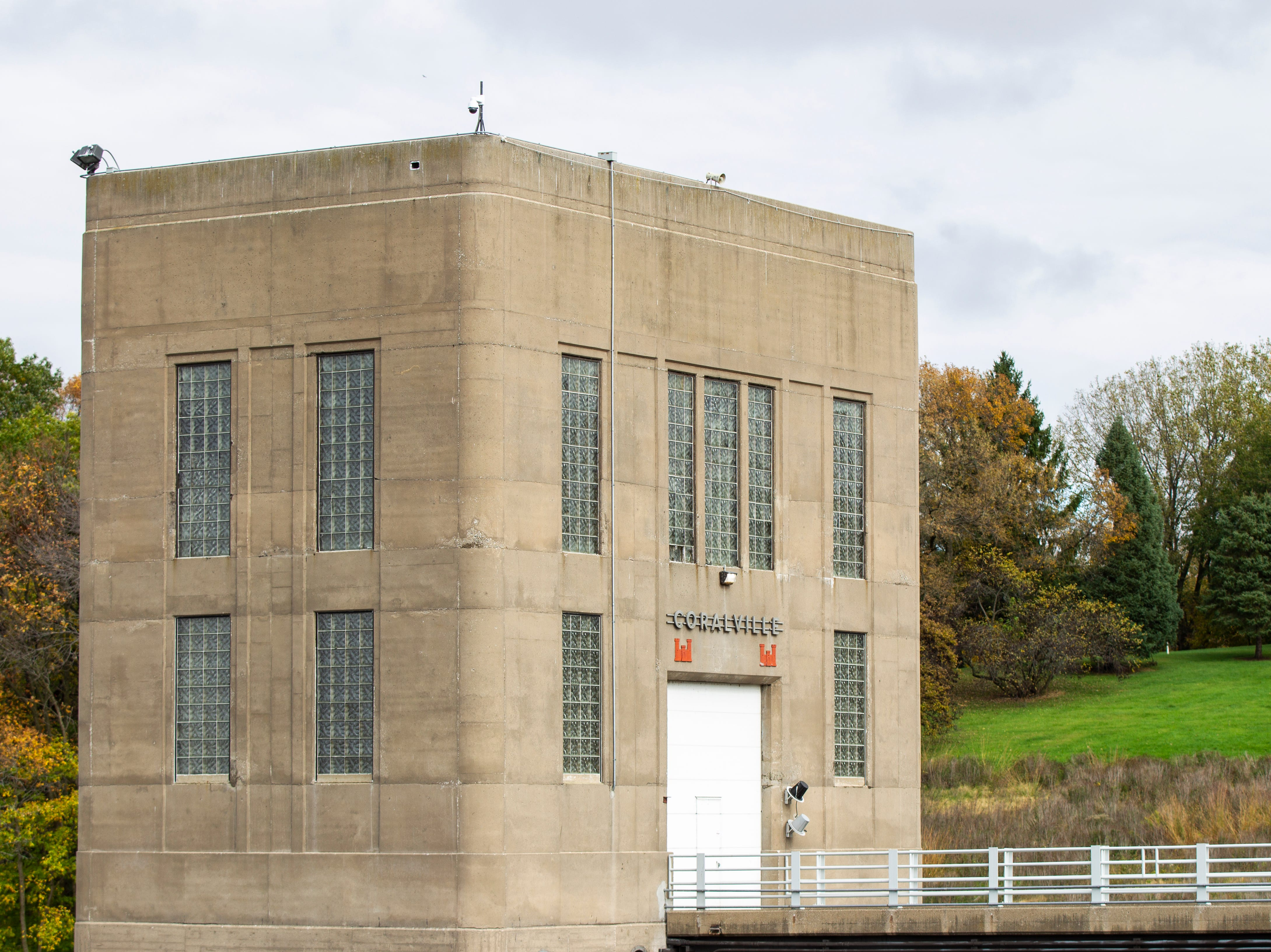 A Corps of Engineers control tower is seen on Wednesday, Oct. 10, 2018, at the Coralville Lake dam.