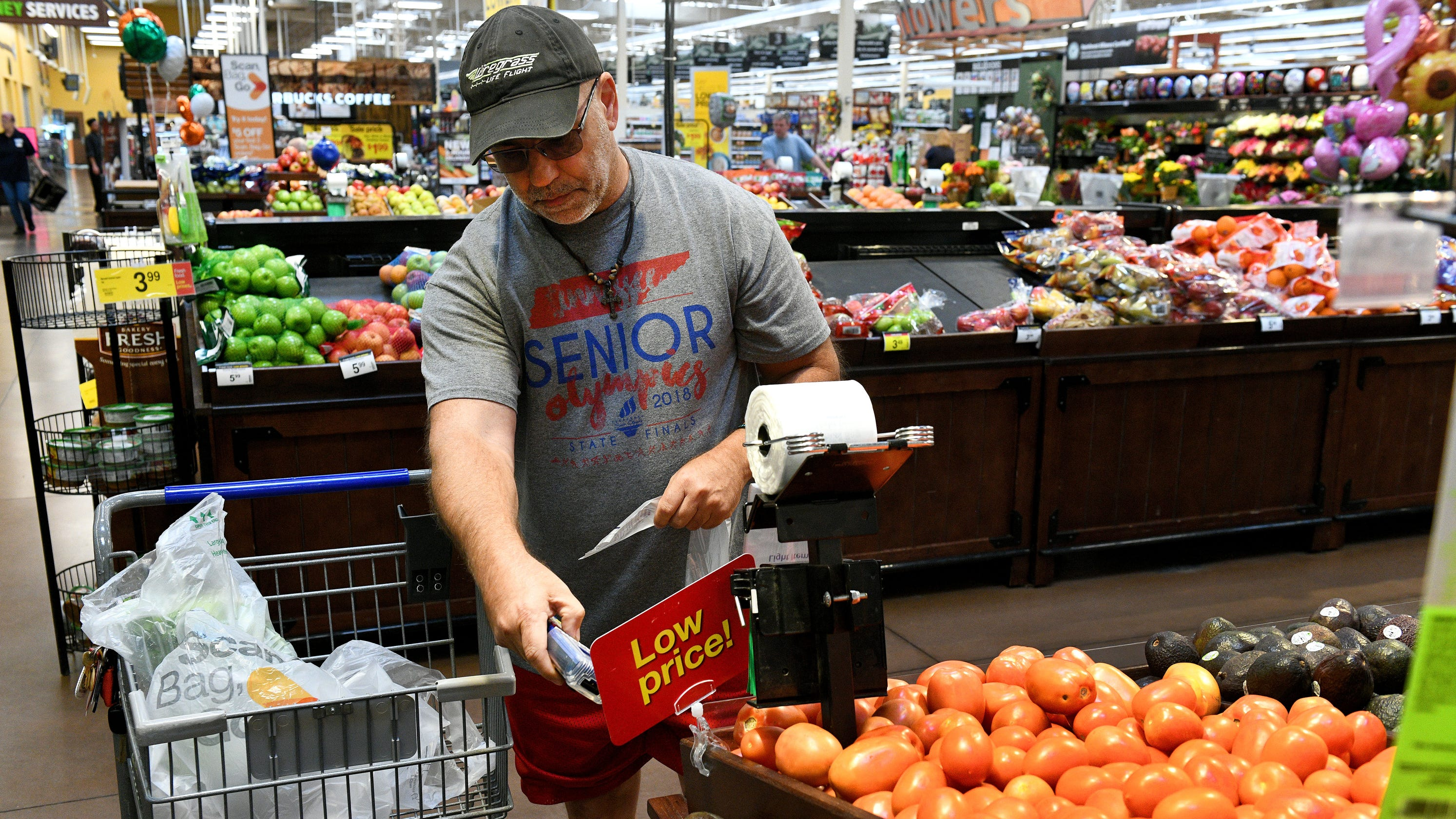 May 17, · Kroger's test of meal kits is small but noteworthy. The meal-in-a-box industry, while relatively small when compared with supermarkets, meets a burgeoning need. Kroger might prove that.