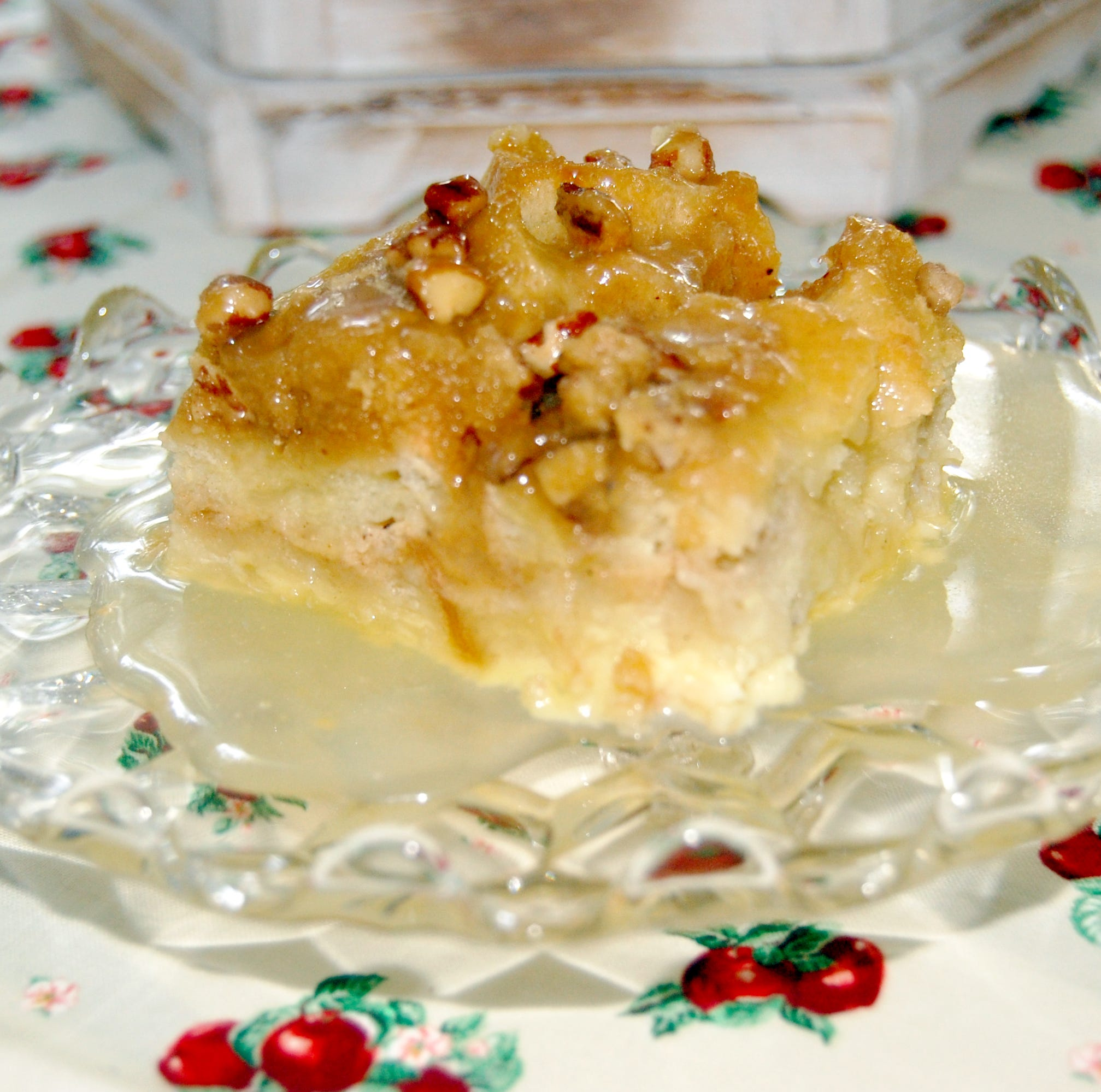 Apple streusel bread pudding with butter rum sauce a delicious dessert | Sweet & Savory