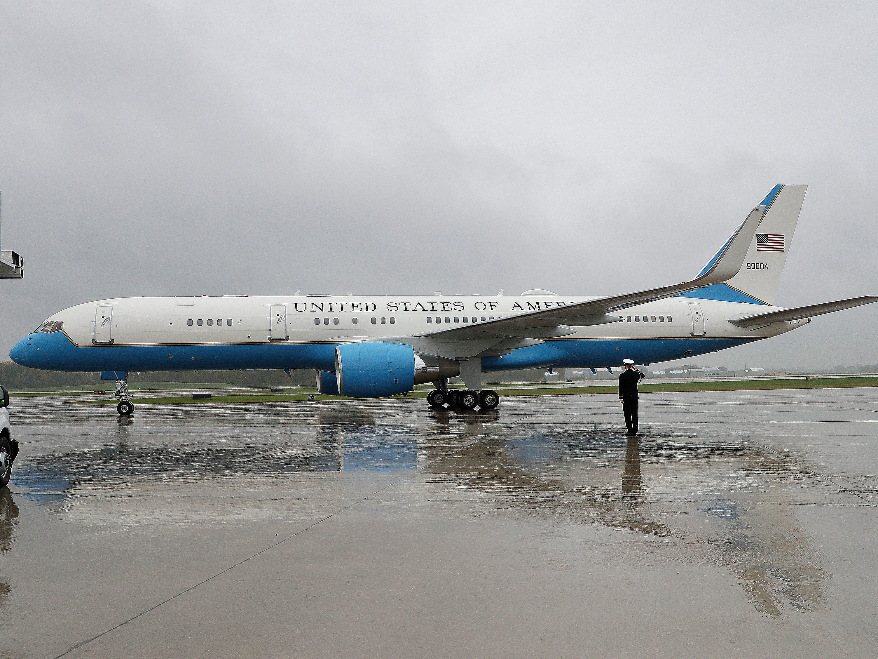 Vice President Mike Pence arrives at Green Bay's Austin Straubel International Airport aboard Air Force Two on Wednesday, Oct. 10, 2018.