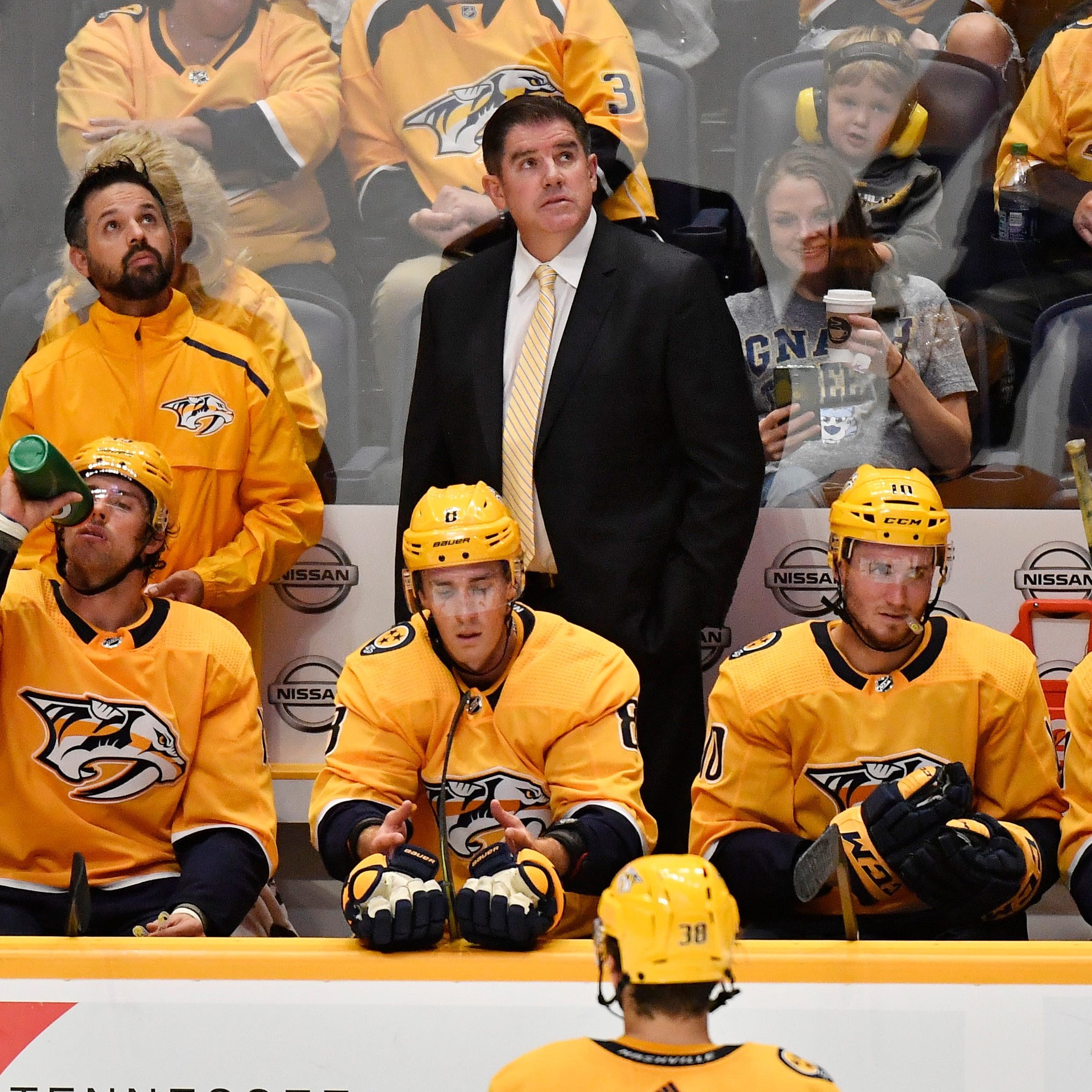 No bull: Predators coach Peter Laviolette dons bull mask after fifth straight win