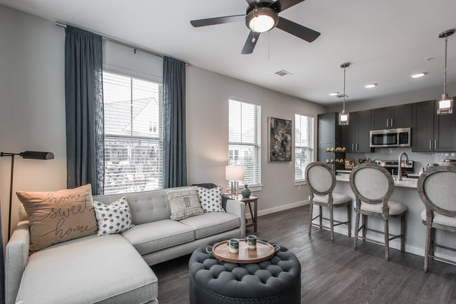 Apartments at Novel Lockwood Glen range from 730 to 1,400 square feet. Monthly rents range from $1,350 to $2,400.
