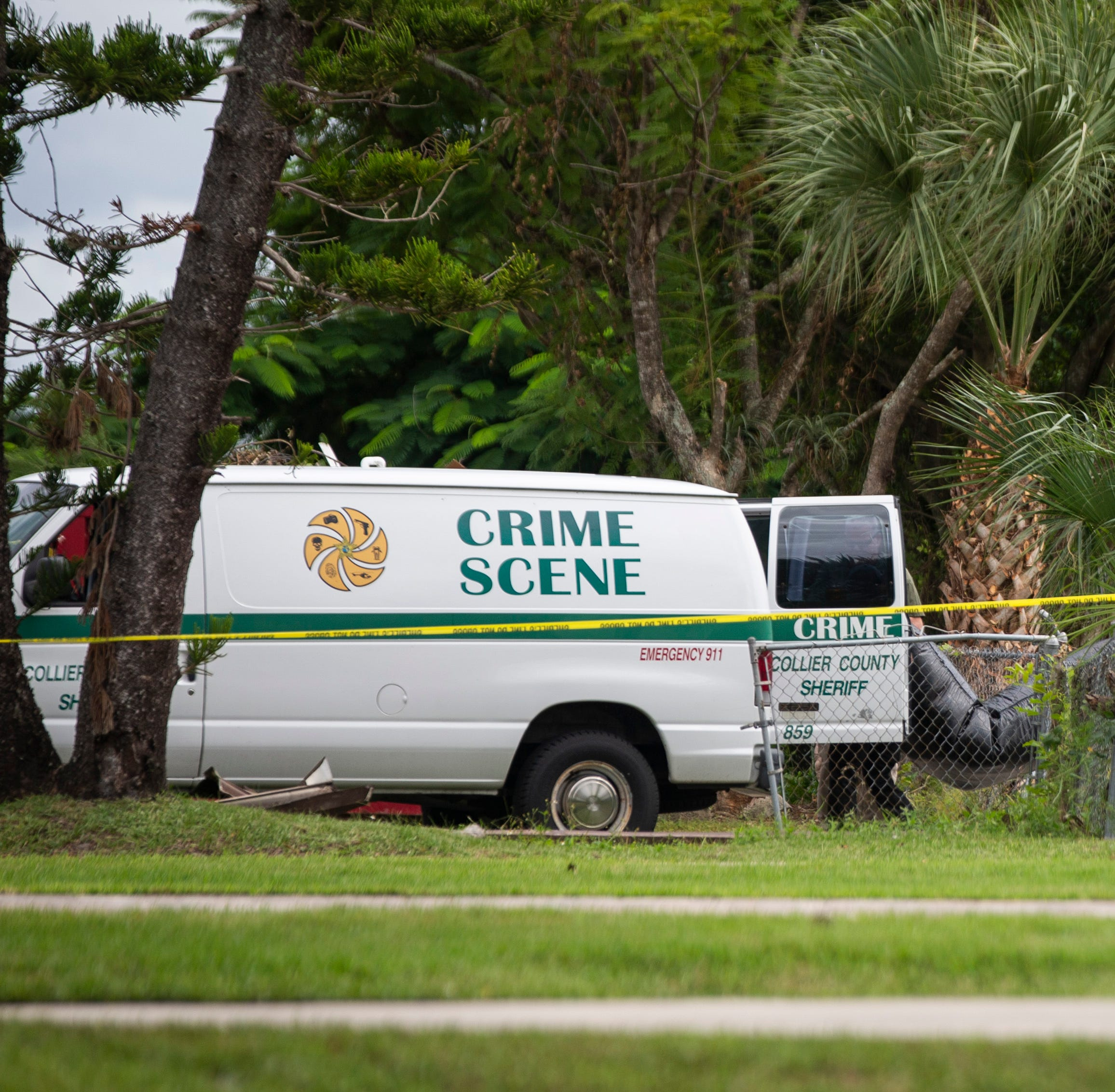 Detectives identify man found dead in Naples Park home, manhunt underway