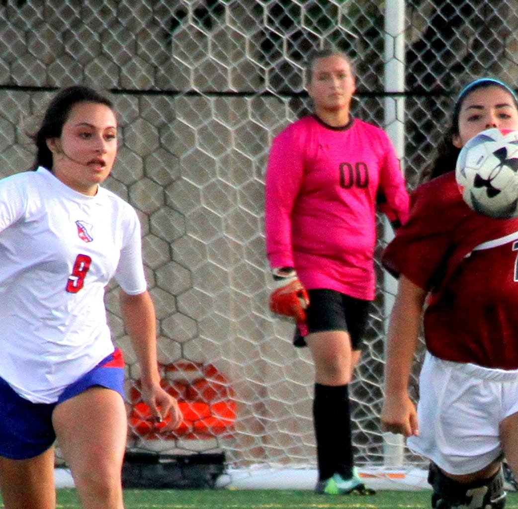 Deming High Lady 'Cats blanked by Las Cruces High Bulldawgs in District 3-5A Soccer