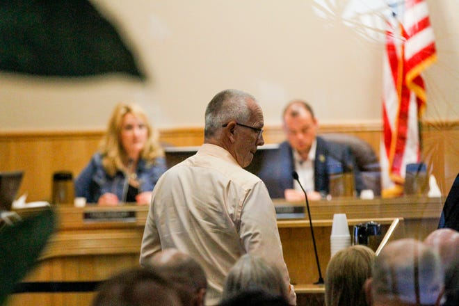 Mick Hesse, a member of the Connie Gotsch Arts Foundation board, talks about a proposed auditorium at the Farmington Museum at Gateway Park with members of the Farmington City Council Tuesday at City Hall.