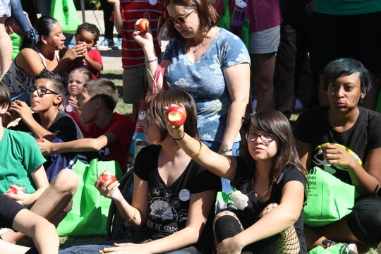 """The """"apple crunch"""" has become an annual tradition at Phoenix Food Day."""