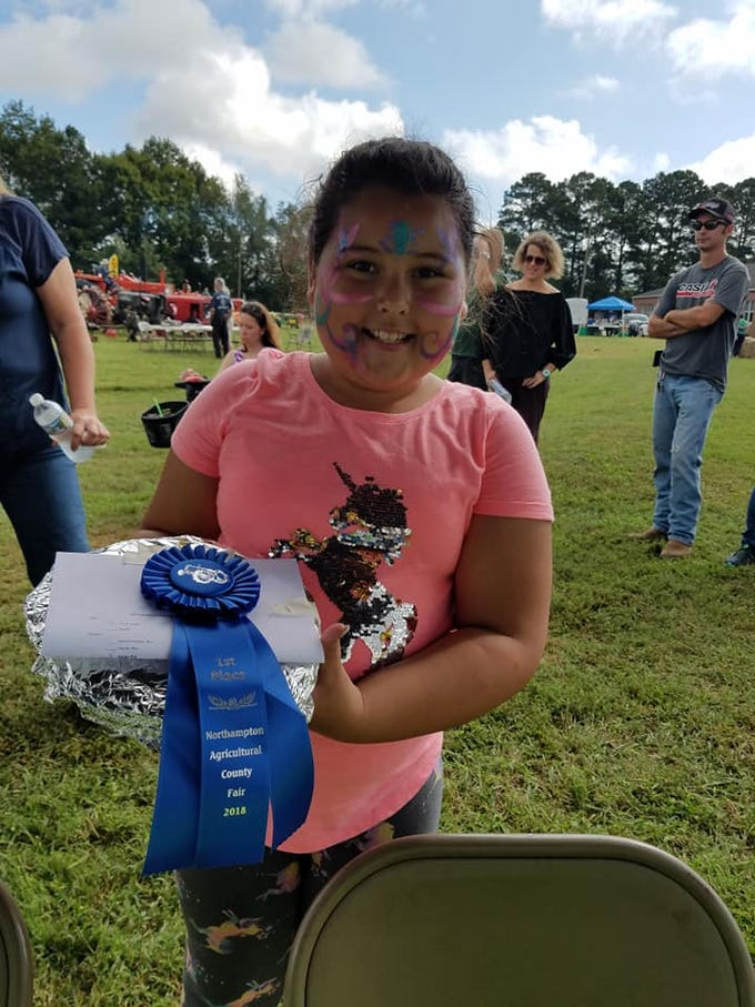 Northampton Agricultural County Fair Kids Pie Baking Contest 1st Place Winner, Apple Pie, Kinley Brady