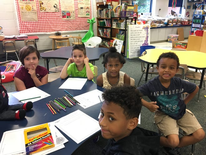 """Kids learn about healthy eating at """"Get Fresh"""" pilot diabetes prevention program at William Perry Elementary School on Tuesday, Oct. 9, 2018."""