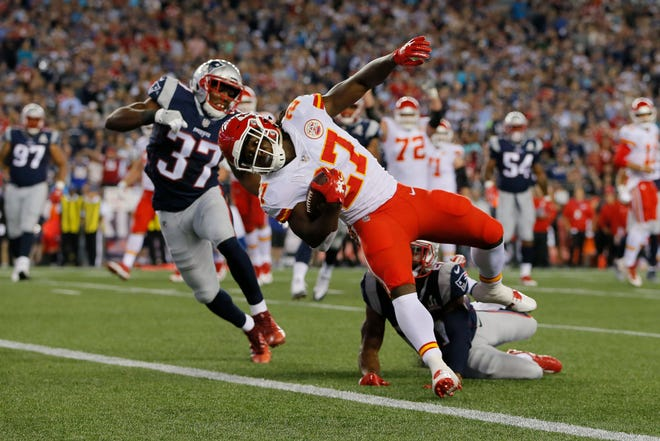 The Chiefs' Kareem Hunt had a huge game against the Patriots last season and is a top-10 fantasy running back for the Week 6 rematch -- along with several other players on both sides.