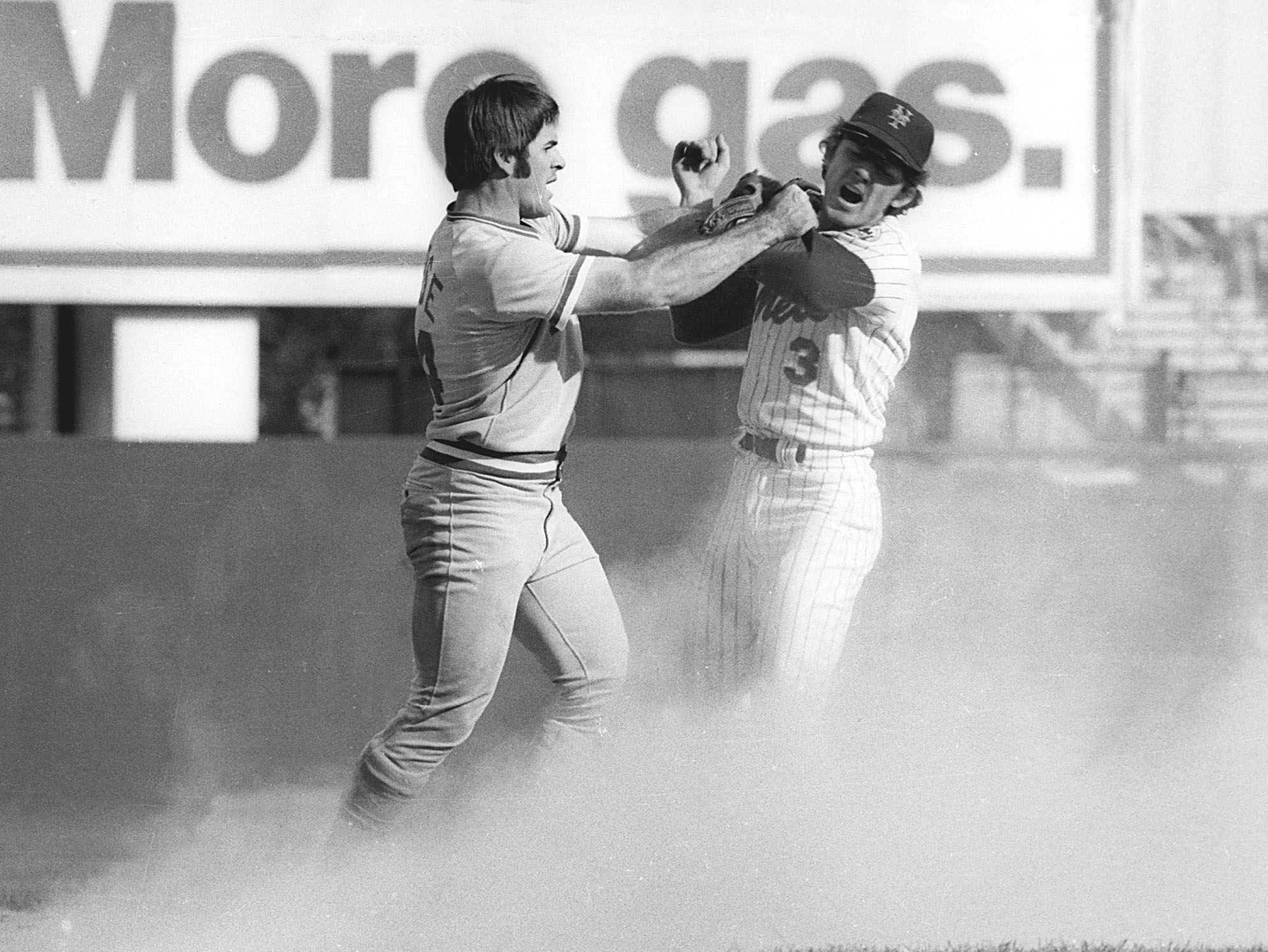 1973 NLCS Game 3: Pete Rose and Mets shortstop fight after Rose tried breaking up a double play.