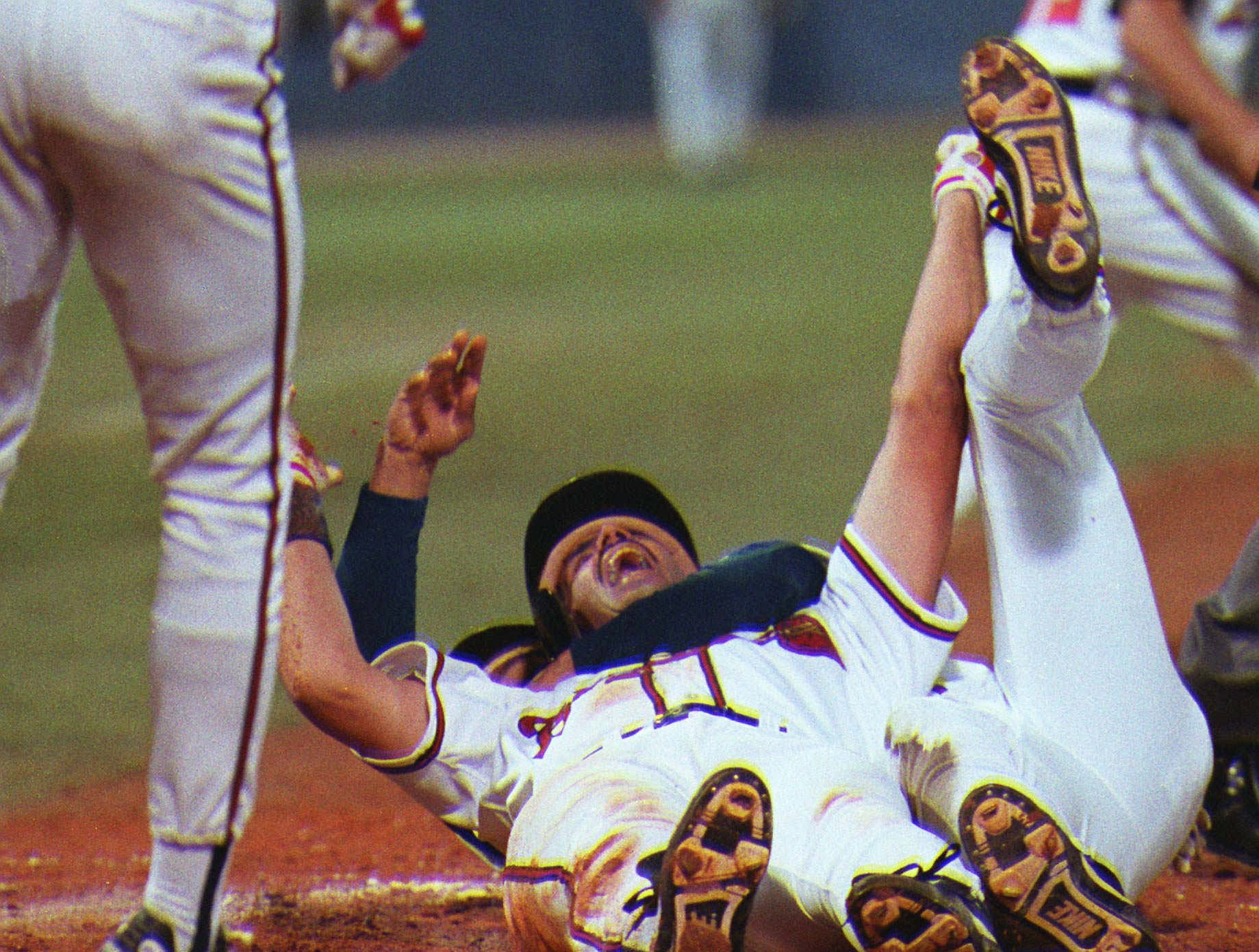 1992 NLCS Game 7: Francisco Cabrera's RBI single scored Sid Bream, completing Atlanta's comeback in the bottom of the ninth to send the Braves to the World Series.