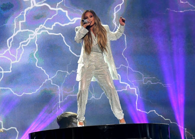 Jennifer Lopez rocks the American Music Awards Tuesday.