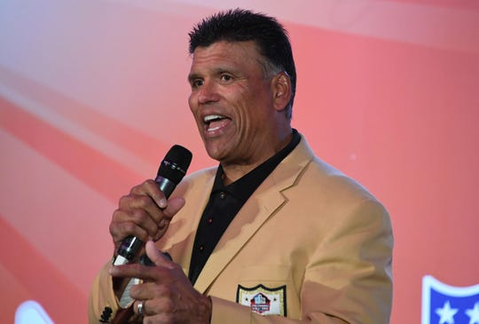 Pro Football Hall of Fame and Cincinnati Bengals former offensive tackle Anthony Munoz speaks during the NFL International Series Fan Rally at the Victoria House.
