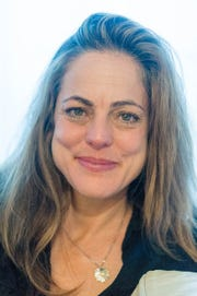 Author Hilary Reyl